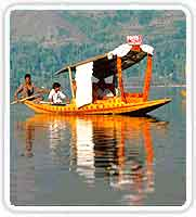 Houseboat in Dal Lake in Srinagar