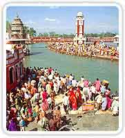 Pilgrims bathing at Har Ki Pauri Ghat at the Kumbh Mela, Haridwar
